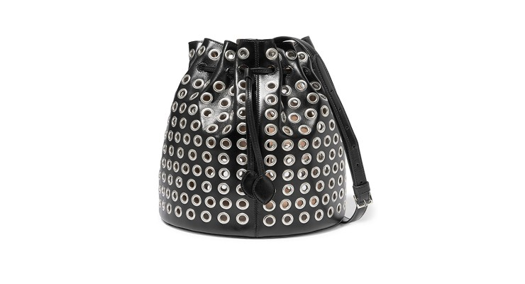 Styled by Manon #627 / Alaïa bucketbag